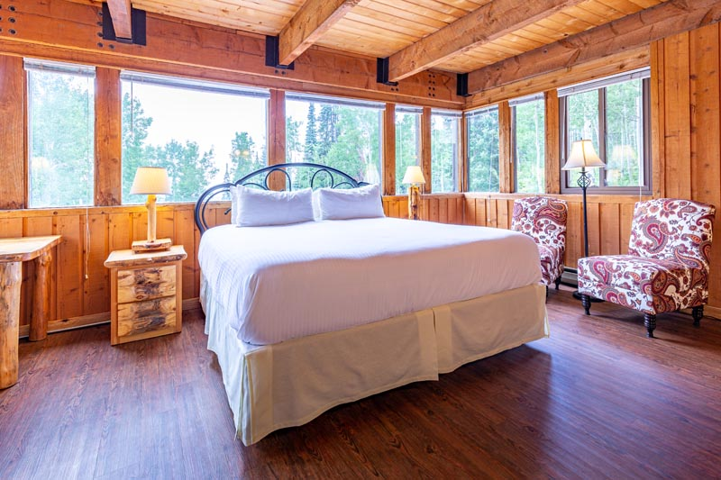 aspen view theme guest room at sky valley chateau