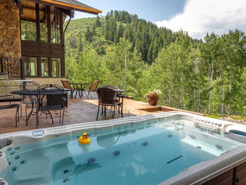 Sky-Valley-Chateau-hot-tubs